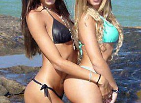 Awesome T-Girls In Suggestive Bikinis