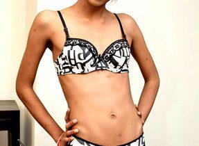 Bangable T-Girl Stunner Craves Teasing