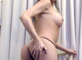 Beautiful Round Assed Ts Flaunts All