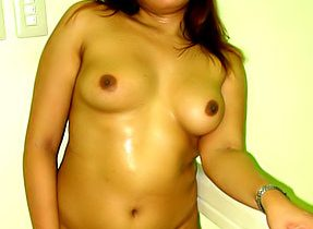 Curvaceous Tgirl Model