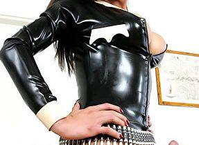 Curvy Latina Ts In Latex