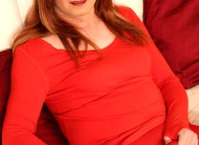 Mature Redhead Transexual Gets Slutty
