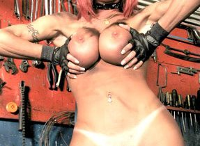 T-Girl Babe With Massive Dick
