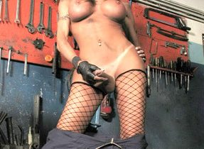 Well Hung Ladyboy Naked In Garage